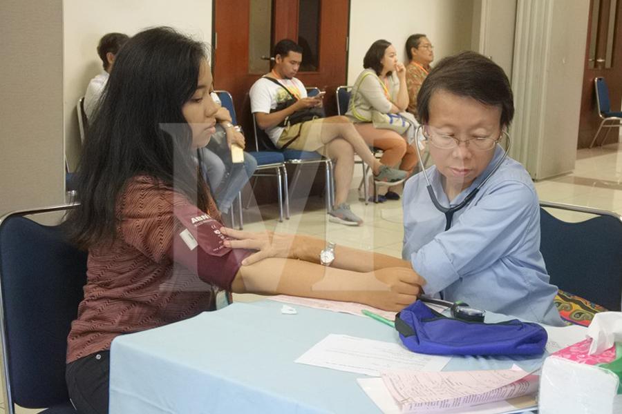 Pemeriksaan Kesehatan Lansia dan Karyawan Paroki Cilandak