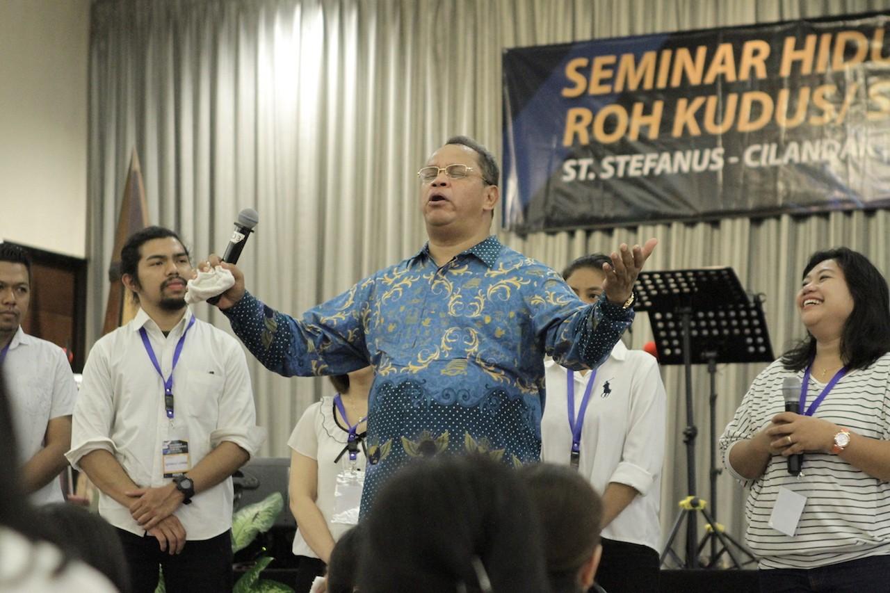 Seminar Hidup Baru Dalam Roh Kudus