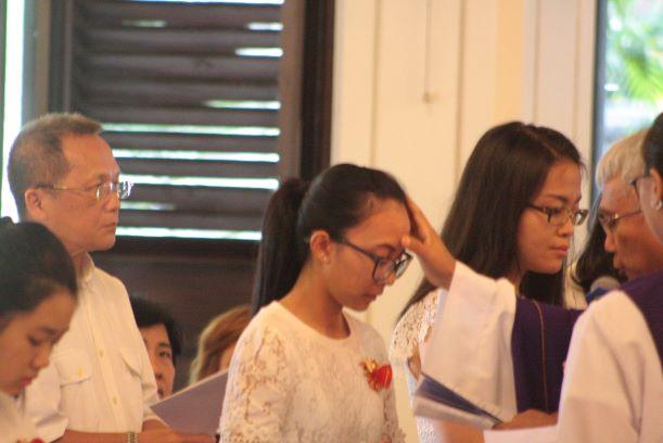Pembaptisan - (Ada 9 foto)