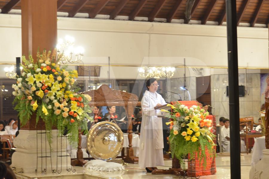 Misa Malam Paskah - (Ada 21 foto)