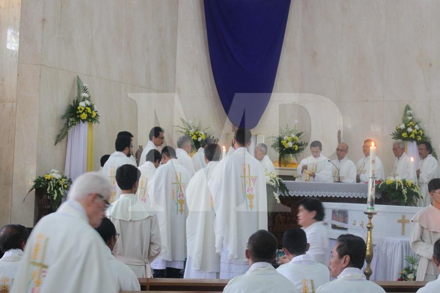Pemakaman Pastor Martin van Oij, SCJ - (Ada 9 foto)