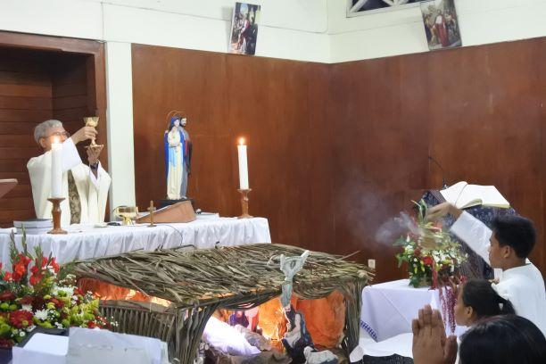 Malam Natal di Kapel - (Ada 7 foto)