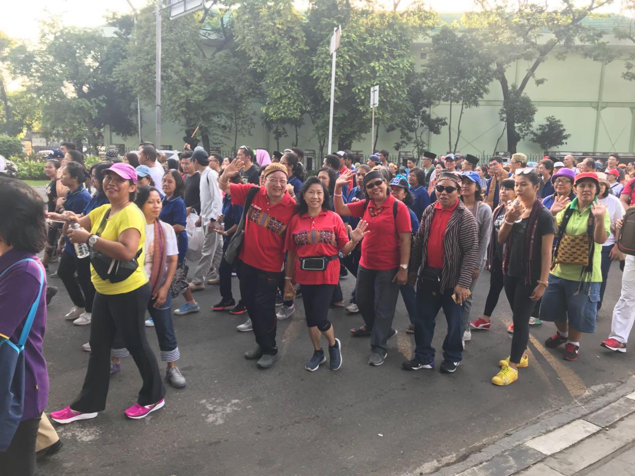 Para peserta dari Paroki Cilandak membaur dengan peserta lain, siap dan penuh semangat mengikuti aca